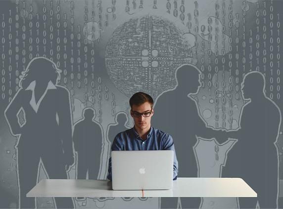 Burzy práce pomáhají firmám i nezaměstnaným